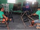Produção realizada na Penitenciária inova mercado de cadeiras de fio