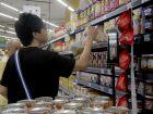 Consumidores reclamam de reajuste de R$ 32 no salário mínimo