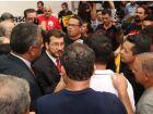 Deputados suspendem sessão após protesto de servidores