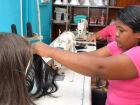 Detentas iniciam fabricação de perucas para mulheres com câncer