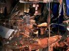 Colisão entre caminhão e micro-ônibus deixa vítima presa às ferragens