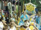 Corumbá celebra o romantismo em desfile
