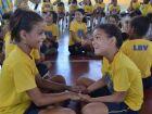 Crianças recebem kits escolares em ação da LBV