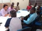Despejados, haitianos pedem doação de prédio público para realizar cultos