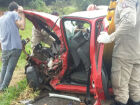 Carros ficam destruídos em acidente na 'curva do maracujá' na BR-158