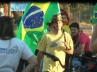Moradores fazem manifestação em apoio à greve dos caminhoneiros