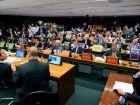 Suspensa sessão que debate projeto que altera lei do agrotóxico