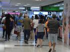 Intenção de consumo das famílias recua 1,8%, diz CNC