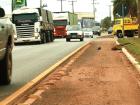 Ciclistas reclamam das condições da ciclovia na Ranulpho Marques Leal
