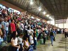 Católicos participam de missa e procissão em homenagem à padroeira do Brasil