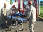 Mulheres ficam feridas após colisão em carro