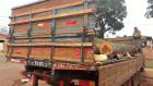 PMA apreende carga de toras de madeira ilegal e multa motorista em R$ 2,1 mil