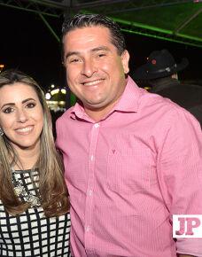 A Prates e Prates Produções promoveu na sexta-feira (16), no parque de exposições, o show do cantor Felipe Araújo. O show agitou a noite com inúmeros sucessos.