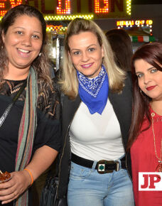 A Prates e Prates Produções promoveu na última terça-feira (13), no  parque de exposição, o show da cantora Marília Mendonça, com record de público. O show agitou a noite com inúmeros sucessos.