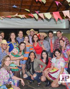 """O """"Arraiá das Clínicas Vitalcor, Sermedi, Imed, foi realizado no último sábado. A noite reuniu amigos e familiares no Clube dos Médicos para uma linda festa cheia de alegria!"""