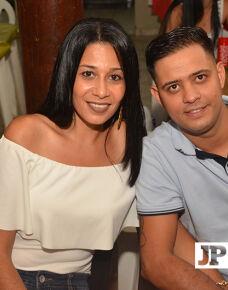 No último sábado o casal de empresários Rafael  Iembo  e Rosana Furrier Fiorssi reuniu amigos e familiares para uma confraternização que brindou mais um ano de sucesso.