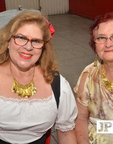 A última quinta-feira foi de festa para Sonia Duarte que completou  70 anos muito bem vividos. Com uma belíssima festa a aniversariante recebeu amigos e familiares em uma festa linda.