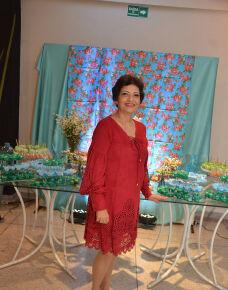 A última quinta-feira, 7 foi de comemorações para a empresária, Marinete Barreto Queiroz, que brindou com muita alegria seus 58 Anos de vida muito bem vividos.