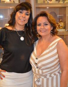 Na última sexta feira, a empresária Silvana Rosa e Silva Bottaro, inaugurou seu Showroom no Terrace Business Center, onde recebeu amigos e familiares num delicioso coquetel de inauguração, tudo com muito capricho e bom gosto!