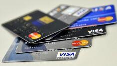 Juros do rotativo do cartão sobem para 490,3% ao ano