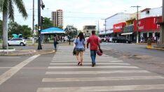 Diretora diz que tem aumentado o número de pedestres usando faixa