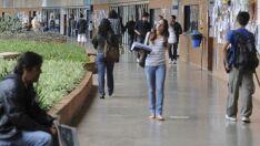MEC abre vagas para 572 escolas aderirem à política de ensino