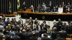 PR pode punir deputados que votaram a favor de denúncia
