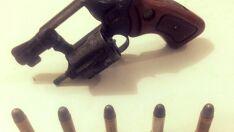 Pelotão de Trânsito prende homem que estava armado com revólver em bar