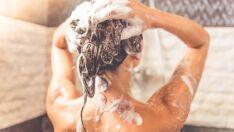 Saiba o motivo pelo qual lavar o cabelo à noite é uma má ideia