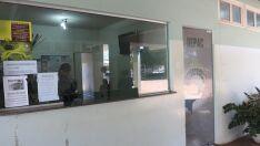 Ladrão arromba porta de vidro de sorveteria durante a madrugada e furta R$ 50 de caixa