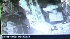 Vídeo mostra momento em que ladrão revira caixa de loja em busca de dinheiro