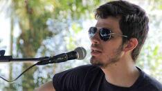 Léo Lopes dá dicas para apaixonados por livros