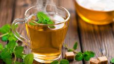 Ciência alerta: beber chá muito quente pode ser ruim para a saúde