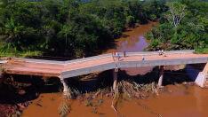 Queda de ponte isola região de Jardim