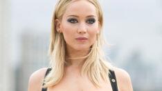 Jennifer Lawrence usou o vestido mais sexy de todos