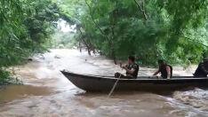 Ribeirinhos são socorridos nas enchentes pela PMA de Bonito