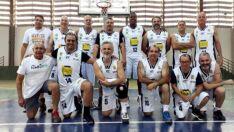 Time máster de basquete fica em 3º lugar em torneio