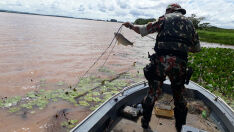 Três pescadores são autuados por pesca ilegal