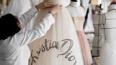 A Dior apresentou vestidos inéditos em Xangai