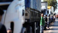 Paralisação de caminhoneiros atinge rodovias de mais de 20 estados