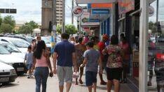 Bancos, prefeitura e comércio abrem só pela manhã por conta do jogo do Brasil