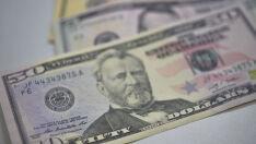 Apesar da alta de hoje, dólar fecha julho em queda de 3,16%