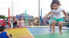 Festa das Crianças atrai cerca de 1.500 pessoas na Praça da Pedra