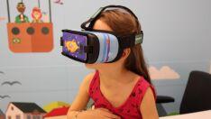 Médicos usam realidade virtual para melhorar relação de crianças com agulhas