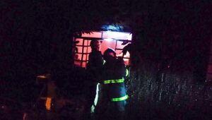 Casa pega fogo no Jardim América em Paranaíba