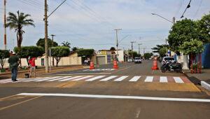 Prefeitura sinalizou faixas de pedestres de escolas e avenidas