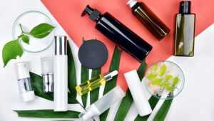 6 itens do nécessaire básico para cuidar da pele ao longo do dia