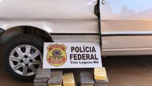 Casal é flagrado transportando 30 kg de cocaína escondido em veículo e é preso pela PF