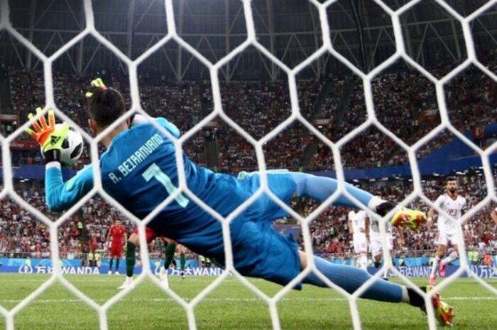 Portugal e Espanha ficam só no empate, mas avançam para as oitavas