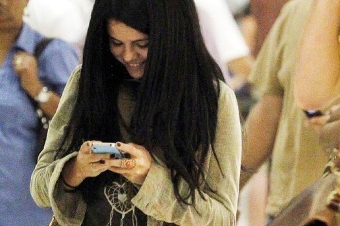 Uso excessivo de celular aumenta risco de tendinite e outros problemas